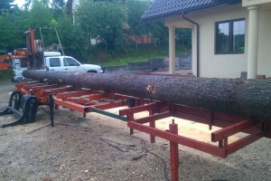 Tartak mobilny - ciecie drewna u klienta