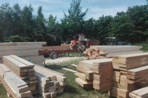 Usługowe cięcie drewna u Klienta, tartak mobilny