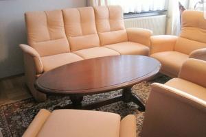Himolla sofa 3 os + 2x fotel + stolik jak nowe
